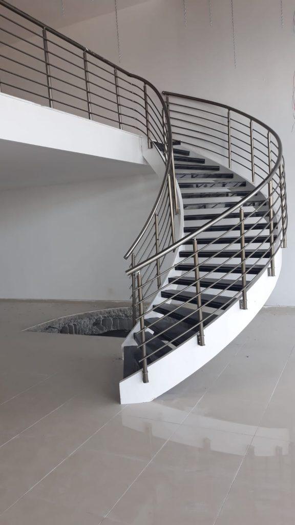 döner demir merdiven